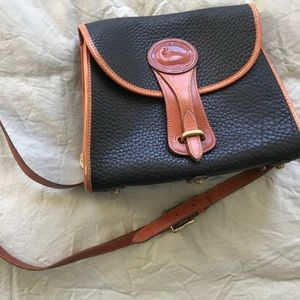 Vintage Dooney & Bourke black and brown Essex bag